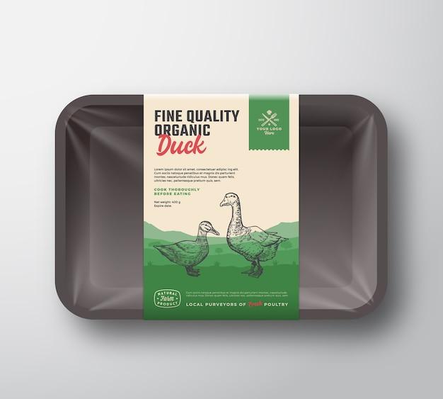 Pato orgânico de excelente qualidade. maquete de recipiente de bandeja de plástico de carne