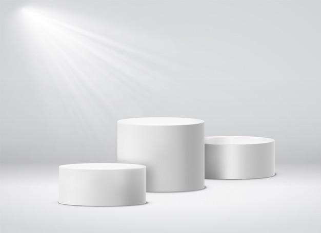 Pedestal dos vencedores. pódio de estúdio geométrico branco 3d com holofotes. ilustração isolada de pedestais vazios