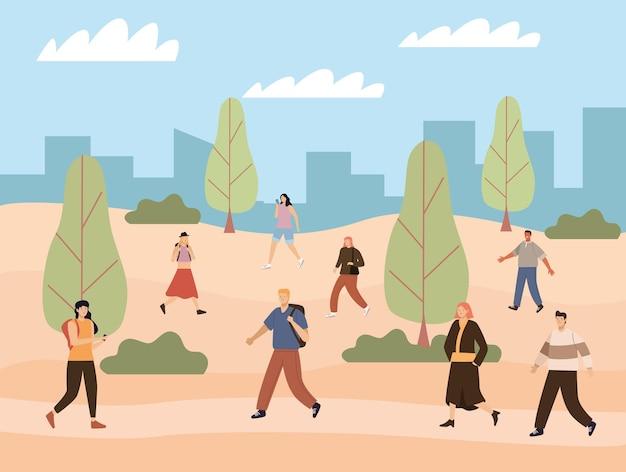 Pedestres caminhando no parque