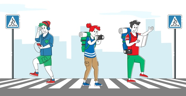 Pedestres relaxados cruzando a estrada