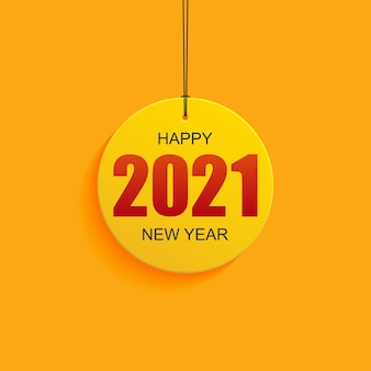 Pendurado etiqueta de feliz ano novo 2021 em fundo de cor amarela