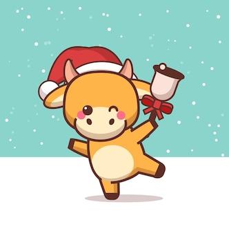 Pequeno boi com chapéu de papai noel segurando sino feliz ano novo chinês saudação vaca fofa mascote ilustração de personagem de desenho animado