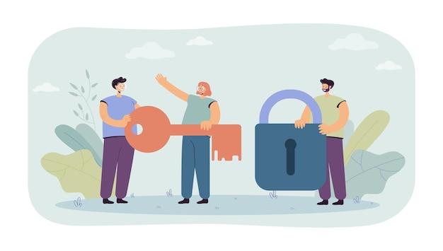 Pequeno homem segurando a fechadura e mulheres com a chave nas mãos