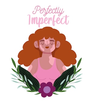 Perfeitamente imperfeita, linda mulher sorridente com vitiligo, decoração com folhas de flores