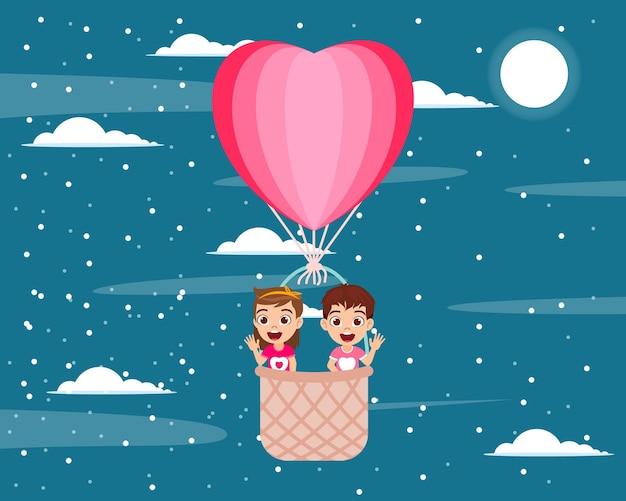 Personagem de criança feliz com balão de ar quente
