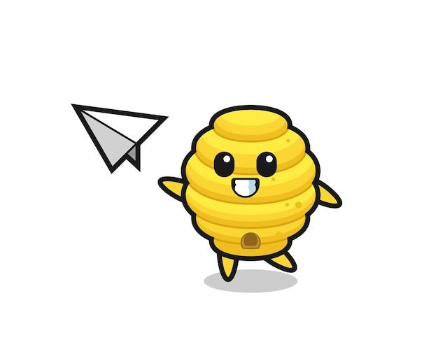 Personagem de desenho animado da colmeia de abelhas jogando avião de papel, design bonito