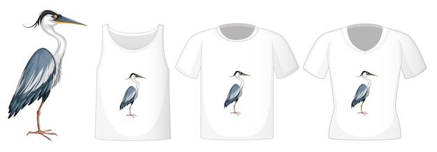 Personagem de desenho animado do pássaro cegonha em pé com muitos tipos de camisas em branco