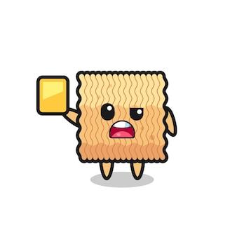 Personagem de macarrão instantâneo bruto de desenho animado como árbitro de futebol dando um cartão amarelo, design de estilo fofo para camiseta, adesivo, elemento de logotipo