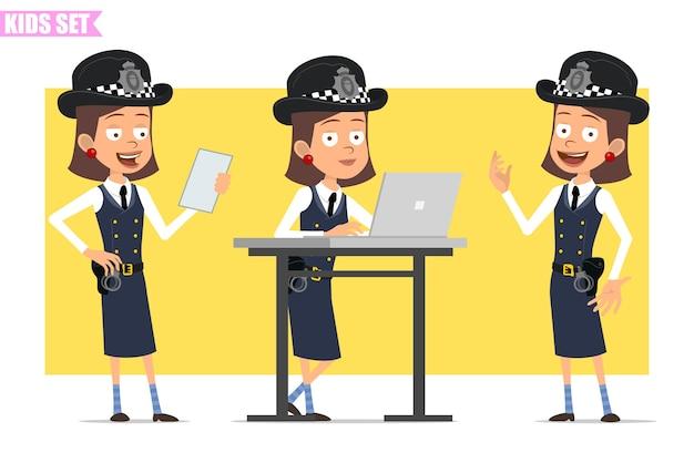 Personagem de menina policial britânico plana engraçado dos desenhos animados com chapéu e uniforme do capacete. menina lendo nota de papel e trabalhando no laptop.
