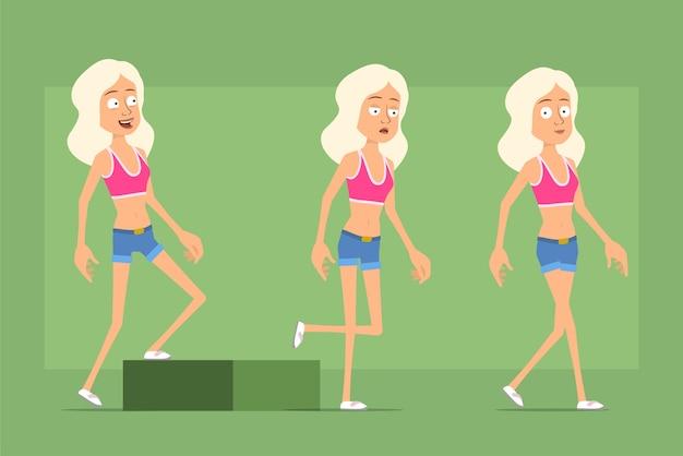 Personagem de mulher esporte plana engraçado dos desenhos animados em shorts jeans e camiseta. garota cansada de sucesso caminhando para seu objetivo.