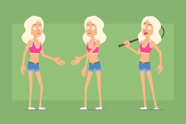 Personagem de mulher esporte plana engraçado dos desenhos animados em shorts jeans e camiseta. menina, apertando as mãos e segurando a raquete de tênis.
