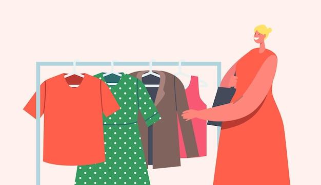 Personagem feminina escolhe roupas para comprar durante o evento de venda de garagem ao ar livre. mulher observando roupas antigas diferentes no cabide