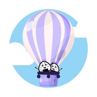Personagem fofinho do balão de ar quente onigiri