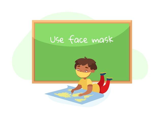 Personagem infantil com máscara facial deitada no chão