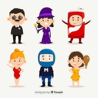 Personagens carnavalescos em traje