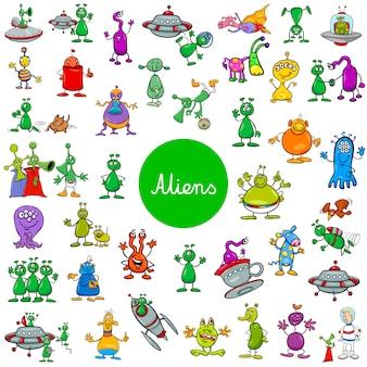 Personagens de fantasia alienígena dos desenhos animados grande conjunto