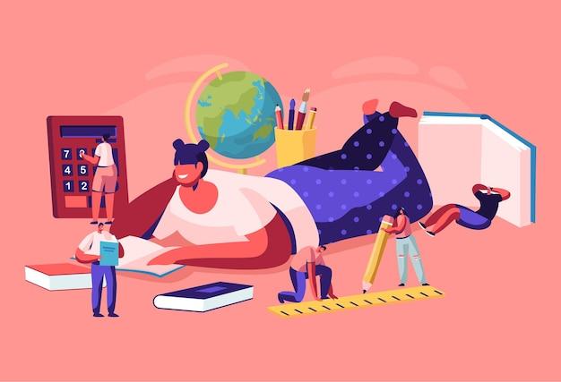Personagens minúsculos com papelaria escolar ao redor de uma garota enorme deitada no chão lendo um livro