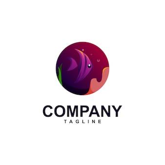 Pescar em design de logotipo no mar