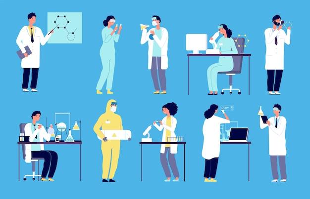 Pesquisadores químicos com equipamento clínico de laboratório