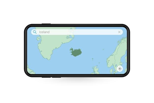 Pesquisando o mapa da islândia no aplicativo de mapa do smartphone. mapa da islândia no telefone celular.