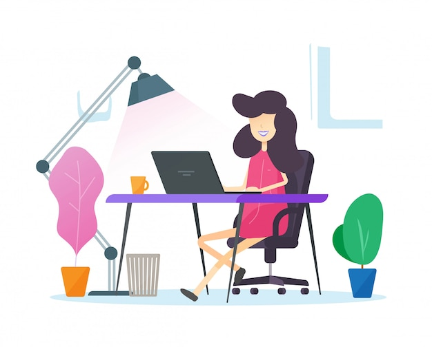 Pessoa que trabalha no escritório em casa, sentado no local de trabalho de mesa de mesa ou trabalho à distância de freelancer garota on-line no computador portátil
