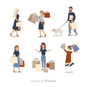 Pessoas carregando sacolas de compras