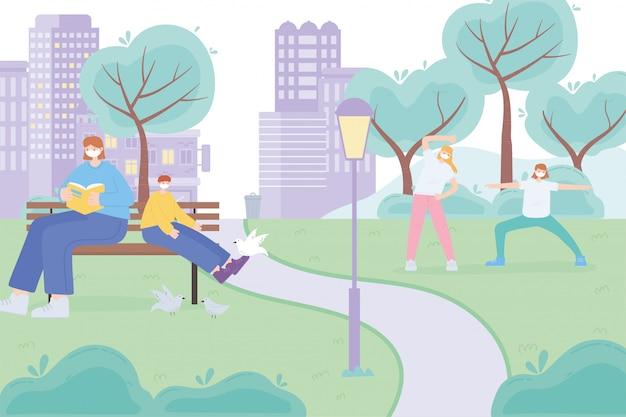 Pessoas com máscara facial médica, mulher e menino no banco e meninas praticando ioga parque rua, atividade da cidade durante o coronavírus
