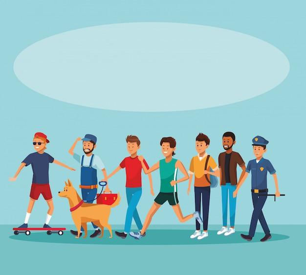 Pessoas da cidade andando de desenhos animados