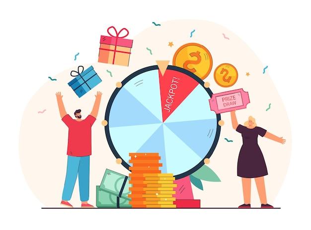 Pessoas de sorte ganhando o prêmio de sorteio em pé perto da roda da fortuna. ilustração de desenho animado
