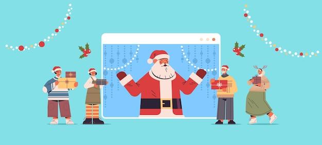 Pessoas discutindo com o papai noel na janela do navegador da web feliz ano novo, feliz natal feriados, celebração auto-isolamento conceito de comunicação online ilustração vetorial horizontal