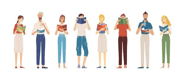 Pessoas em pé lendo livros