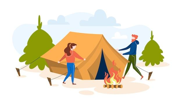 Pessoas em pé na barraca de acampamento. ideia de atividade de verão