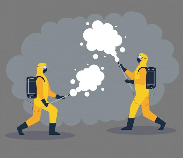 Pessoas em traje de proteção ou roupa, spray para limpar e desinfetar vírus