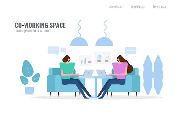 Pessoas falando e planejando no espaço de co-working.