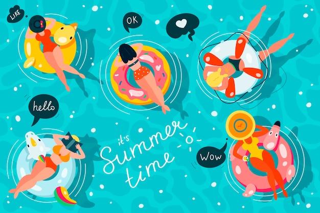 Pessoas flutuando em colchões infláveis em um conjunto de piscina, vista de cima, mulheres relaxando e tomando banho de sol em anéis infláveis de diferentes formatos.