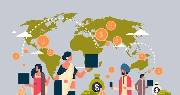 Pessoas indianas usando o banner de transação de dinheiro de aplicativo de pagamento global