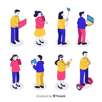 Pessoas isométricas usando dispositivos de tecnologia