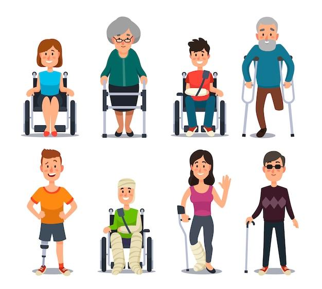 Pessoas jovens de deficiência cega de sorriso e idosos em muletas ou cadeira de rodas.