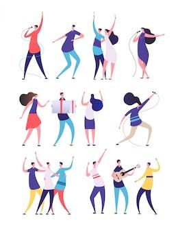 Pessoas na festa de aniversário. desenhos animados homens mulheres cantam, dança tocar guitarra, tilintar de copos. amigos comemoram aniversário. personagens de vetor