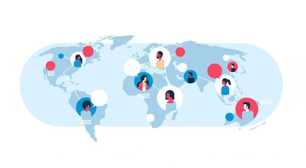 Pessoas no mapa do mundo bolhas de comunicação comunicação global trabalho em equipe conexão conceito avatar mistura raça homem mulher faces plana horizontal