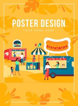 Pessoas que visitam a feira de comida de rua. pais e filhos comprando fast food em caminhões ao ar livre. pode ser usado para festival de comida de verão, conceito de evento de parque
