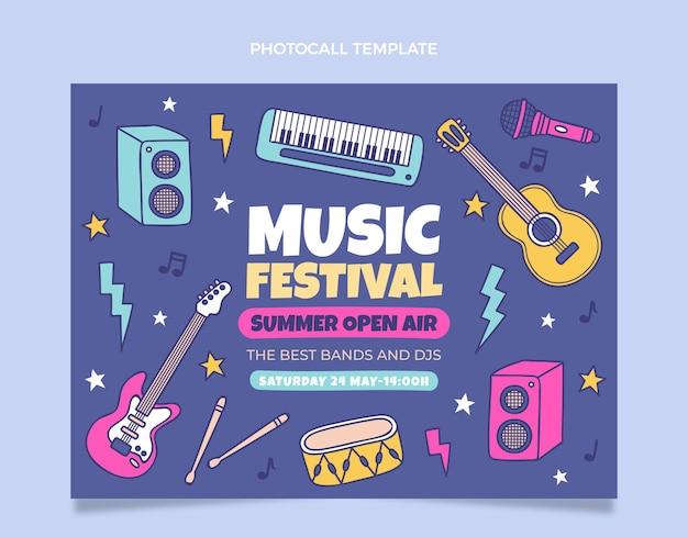 Photocall colorido desenhado à mão para o festival de música
