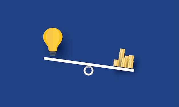 Pilha de moedas compara ideia de lâmpada na gangorra negócio de sucesso negócio de inspiração de conceito