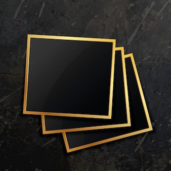 Pilha de moldura dourada