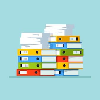 Pilha de papel, pilha de documentos com papelão, caixa de papelão, pasta. papelada. conceito de burocracia.