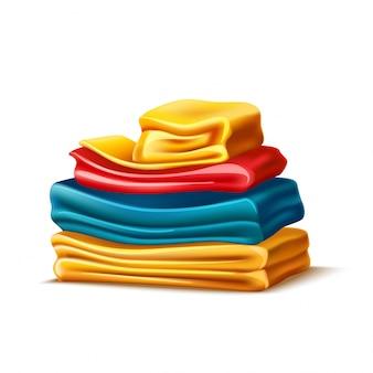 Pilha dobrada realista de vestuário ou toalha