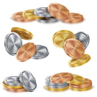 Pilhas de moedas de ouro, prata, bronze e cobre.