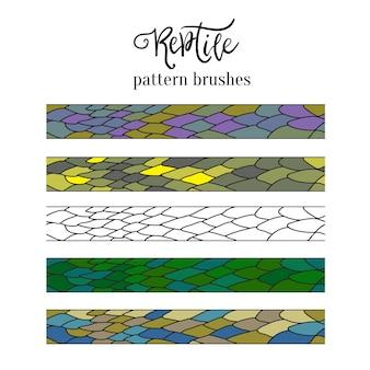 Pinceladas padrão de pele de réptil. decoração de doodle de vetores