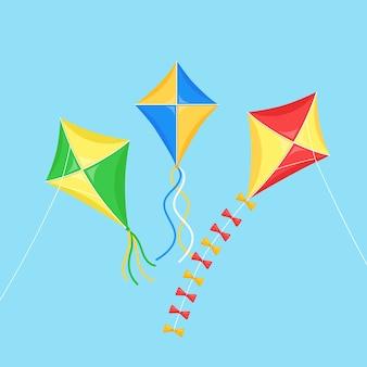 Pipa colorida voando no céu azul
