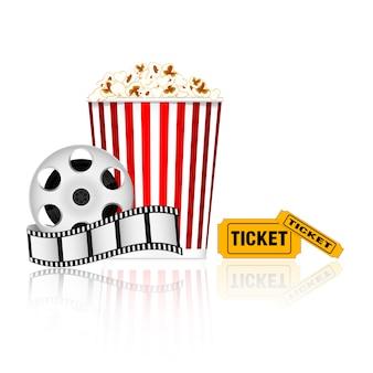 Pipoca, fita de filme e ingressos